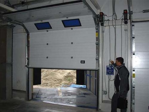 Ремонт гаражных подъемных ворот