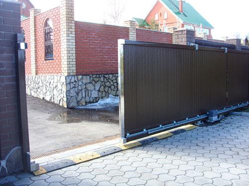 Изготовление откатных ворот с электроприводом