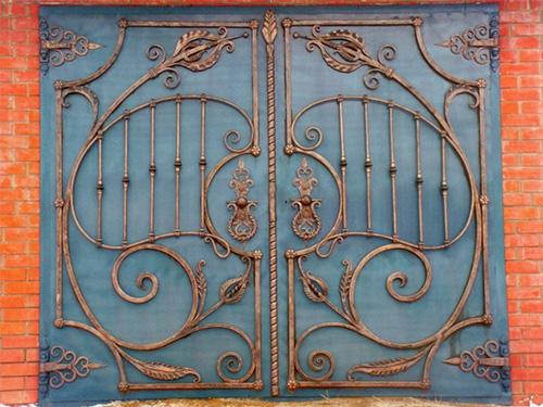 Кованные гаражные ворота