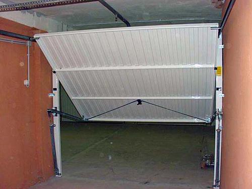 Изготовление гаражных подъемных ворот