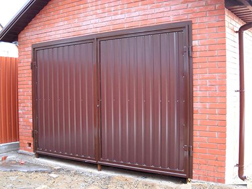 Изготовление гаражных ворот из профнастила