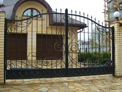 Ковано-распашные ворота