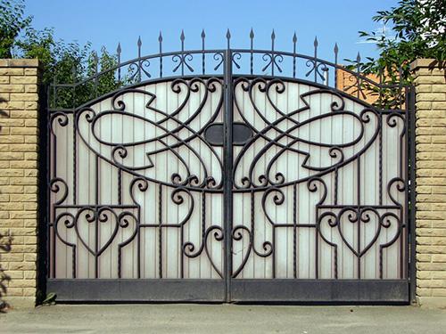 Ковано-сварные ворота